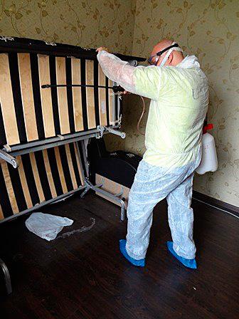 Важно защитить себя во время обработки жилья от вредителей