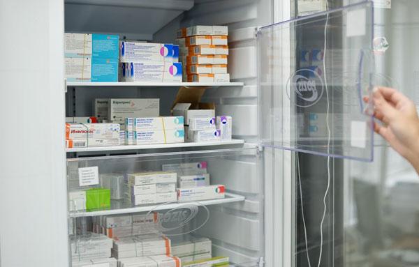 Правильное хранение вакцин могут обеспечить только соответствующе оборудованные учреждения